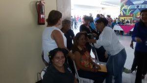 Con jornadas de salud y atención social la Alcaldía honra a las maracaiberas