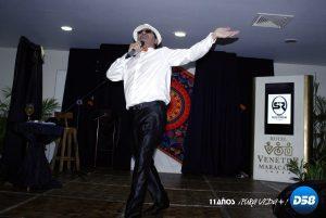 «Moncho» Martínez profeta en su tierra con su espectáculo recargado