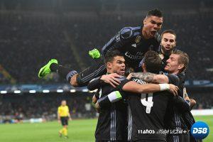 Doblete de Ramos silencia el San Paolo y mete al Madrid en cuartos