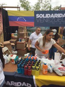 Venezolanos en Miami envían insumos de primeros auxilios al país