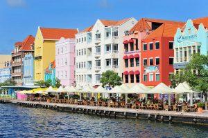 Las casitas de colores de Curazao rememoran la historia holandesa