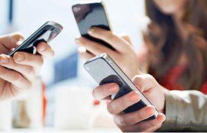 Adicción a celular causa «Enfermedad de los pulgares»