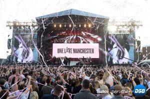 Mánchester honró a las víctimas del terrorismo con un simbólico concierto