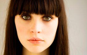 Felicity Jones protagonizará una adaptación del cuento de hadas «El lago de los cisnes»