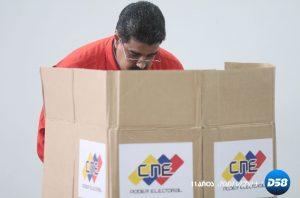 Maduro vota primero en la elección de la Constituyente en Venezuela
