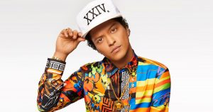 Bruno Mars y Zendaya lanzaron el video audiovisual de «Versace On The Floor»
