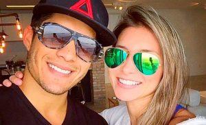 Chyno Miranda y Natasha Araos se comprometieron