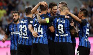 El Milan y el Inter, con doblete de Icardi, arrancan con goleadas en Serie A