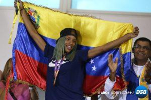 Campeona mundial Yulimar Rojas llegó este domingo a Venezuela