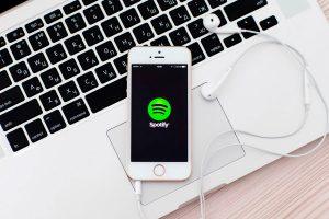 Spotify elimina música de odio de su catálogo