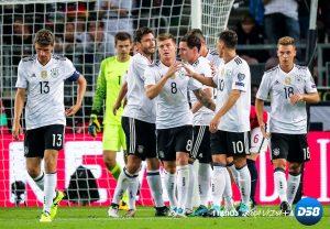 Alemania e Inglaterra se acercan al Mundial