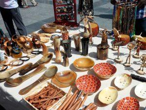 El cuero, el cacho y el coco: materiales relevantes, tradicionales de Venezuela