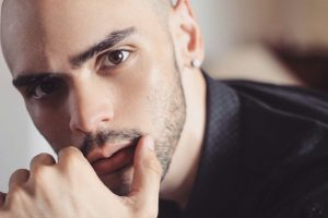 José Roberto estrena video de su promocional «A Donde Van»