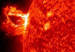Llamaradas solares afectan campo magnético de la tierra