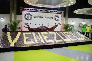 Venezuela rompió tercer récord con la creación del «Mosaico de barras de chocolate más grande del mundo»