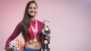 Deyna Castellanos entre los tres finalistas al premio Puskás 2017 de la FIFA