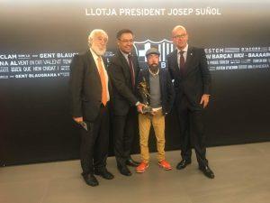 Maickel Melamed recibe premio en España