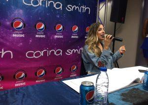 Pepsi lleva de gira a Corina Smith