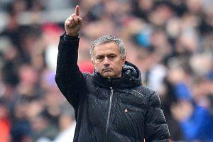 Liga Premier: Mourinho y su «coqueteo» con el PSG para presionar al United