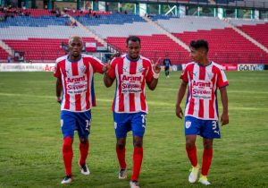 FútVe: El goleador Carlos Espinoza tuvo una excelente actuación en el Clausura 2017