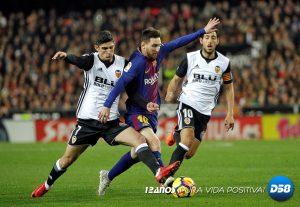 LaLiga: Valencia y Barcelona igualan duelo intenso con gol no concedido a Messi