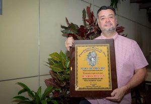 Hendrick Meleán gana el Mara de Oro como el Mejor Productor Audiovisual del año