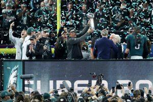 Foles y Ertz proclaman a los Filadelfia Eagles nuevos monarcas de la NFL