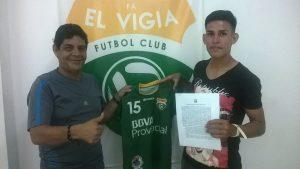 Liga FútVe | Segunda: El Vigía FC apuesta por los canteranos y firma a seis de ellos