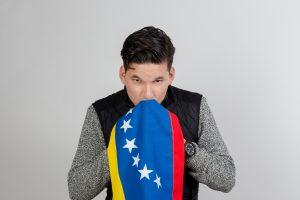 Dany Quesada viraliza «Amo a mi bandera»