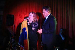 The Latin Bolero Show cautiva en Miami