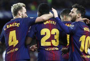 El Barcelona encarrila la eliminatoria a tropezón
