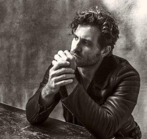 Édgar Ramírez y Pedro Pascal protagonizarán la próxima película de Olivier Assayas