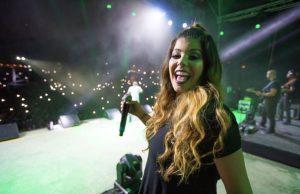 La venezolana Rebeca Rodríguez será la voz que acompañará a Wisin y Yandel en su gira mundial