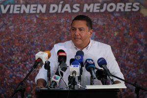 Venezuela: Candidato Bertucci eleva a más de 1.400 las denuncias por irregularidades