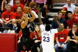 NBA: Gordon y James lideran ataque balanceado de Rockets y empatan serie