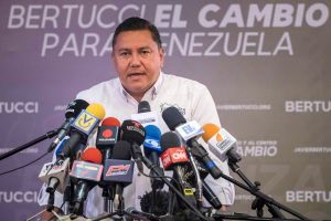 Los dos principales rivales de Maduro para presidenciales no formarán alianza
