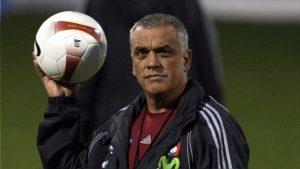 El exseleccionador venezolano Paéz para sacar de la crisis a Deportivo Cuenca
