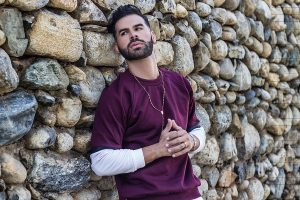 Royd Méndez regresa al ruedo musical con «Oye»
