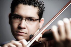 Violinista zuliano gana beca completa en prestigiosa universidad Latinoamericana