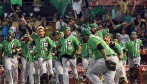 Estrellas se coronan, tras espera de 51 años en béisbol dominicano