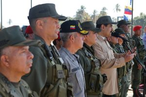 Maduro: Debemos hacer respetar a la nación con el poder militar