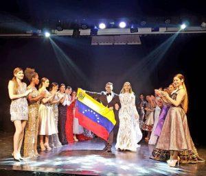 España abre las puertas al diseñador venezolano Douglas Tapia