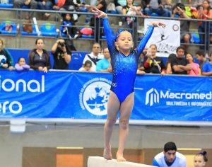 Zuliana Abril Albornoz triunfa con la gimnasia artística en México