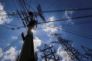 Gobierno de Maduro anuncia modernización del sistema eléctrico tras apagones