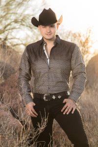 Rey Coronado lanza su segundo trabajo discográfico y promociona «Amar distinto»