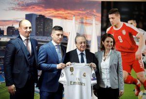 Jovic, el goleador que dormía con la camiseta del Real Madrid