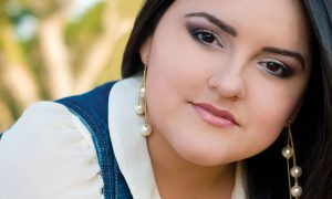 Rosa Virginia anuncia su segundo álbum, Santo y Digno