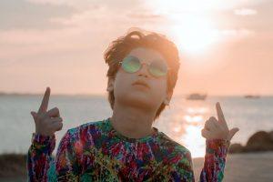 Gabriel Rossell irrumpe en la escena musical con «Playa, sol y arena»