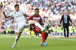 Real Madrid asegura los tres puntos ante el Granada para seguir líder