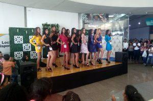 12 participantes concursan por el título de Miss Teen Orquídea
